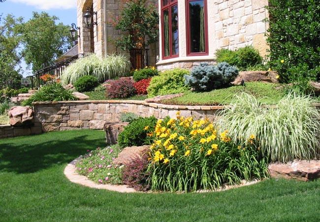 Garden / Flower Bed Maintenance - Bed Maintenance